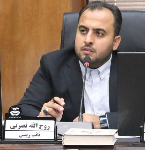 خدری عملکرد چهار ساله خود در حوزه ورزش را اعلام کند/ عکس یادگاری و تبلیغاتی با شاهین کمکی به ورزش نمی کند