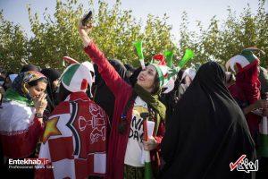 شور و شوق زنان ایرانی در استادیوم آزادی